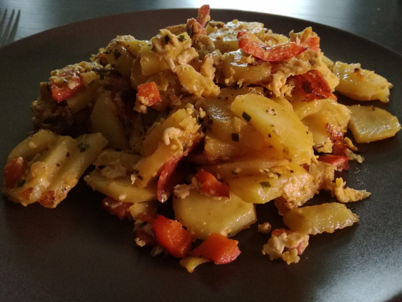 Bratkartoffeln mit Ei und Paprika