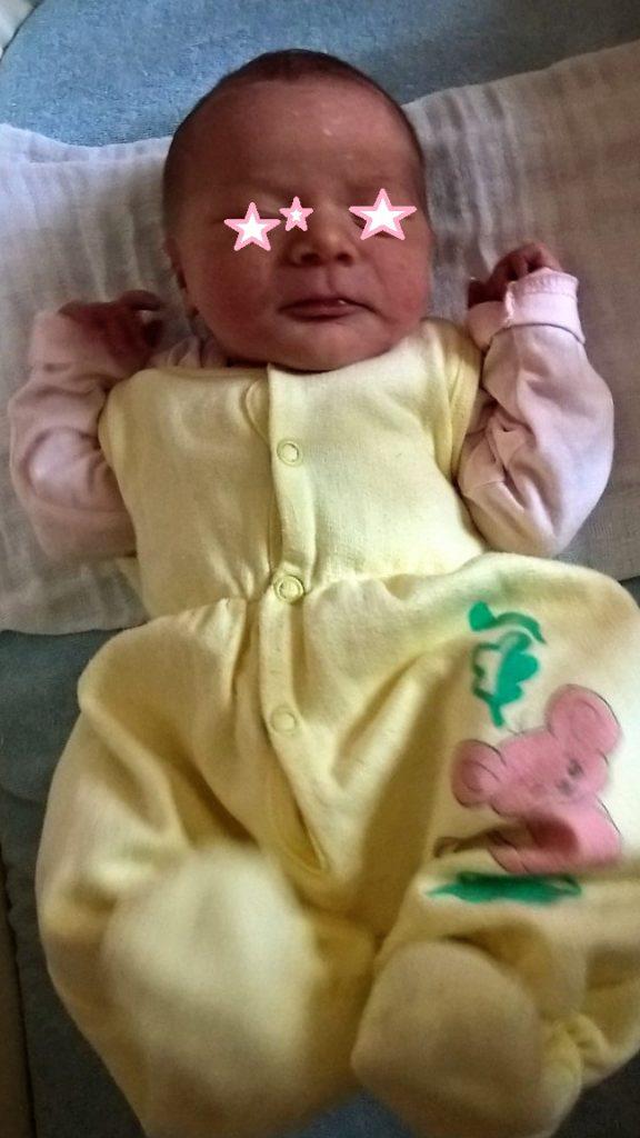 Nana einen Tag nach der Geburt
