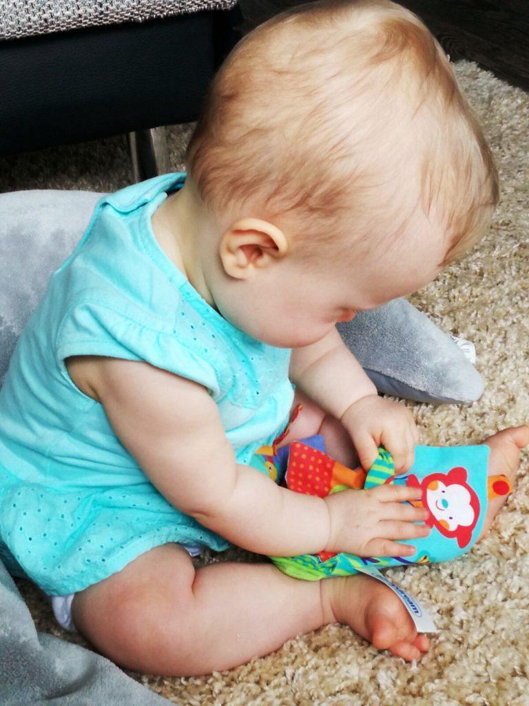 Nana mit neun Monaten