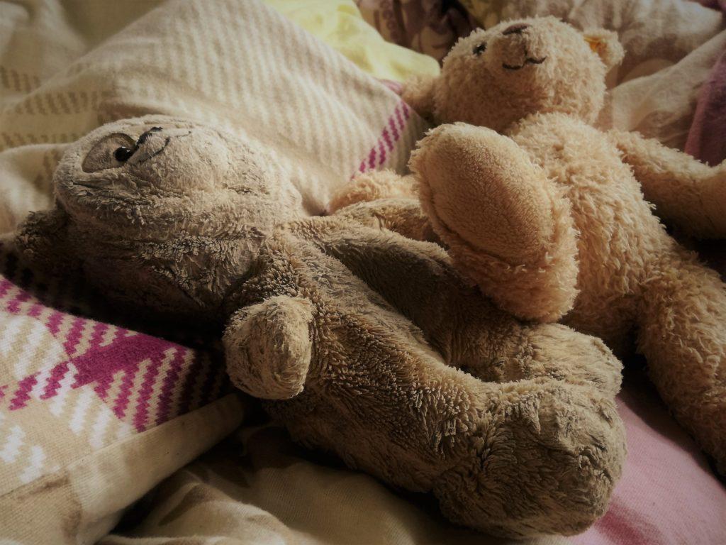 Familienbett Eigenes Bett | Plüschtiere im Bett, egal in welchem.
