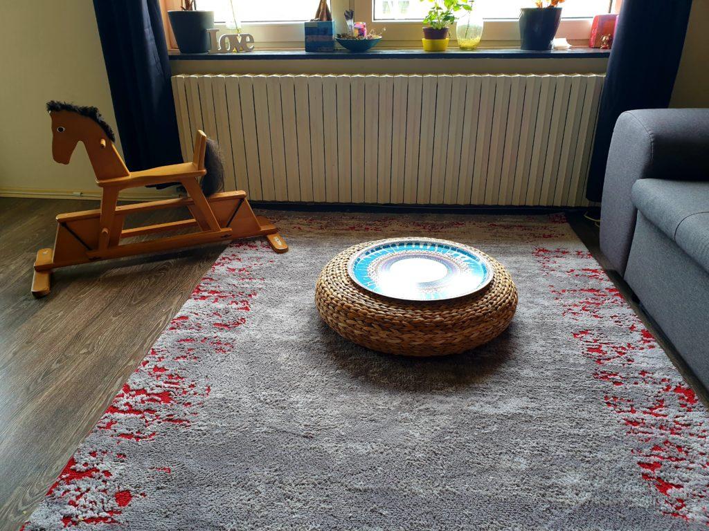 SAMSTAG Ein aufgeräumtes Wohnzimmer