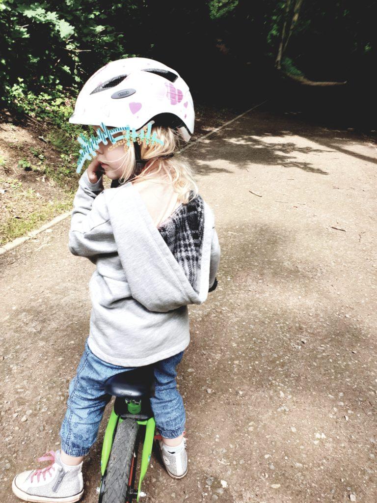 Laufrad nur mit Helm!