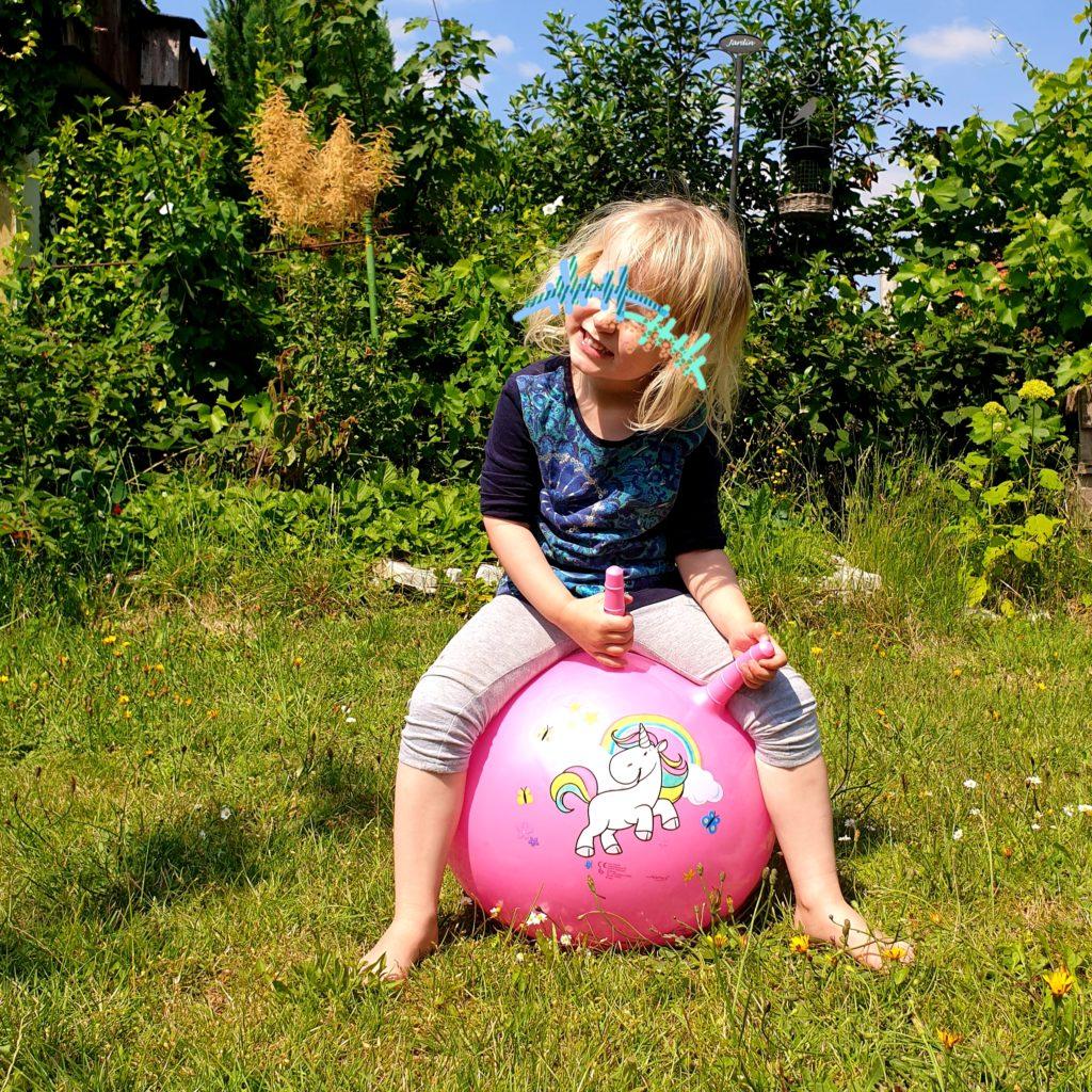 Rennstrecke im Garten Hüpfball