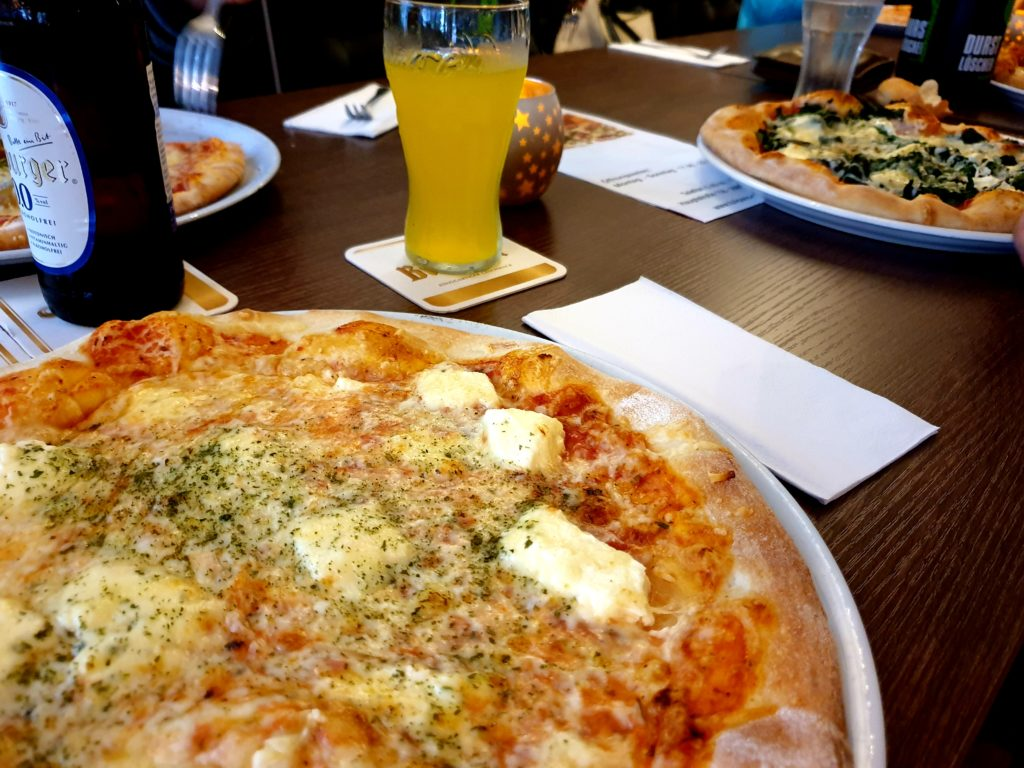 Abendessen im Urlaub - Pizza geht immer