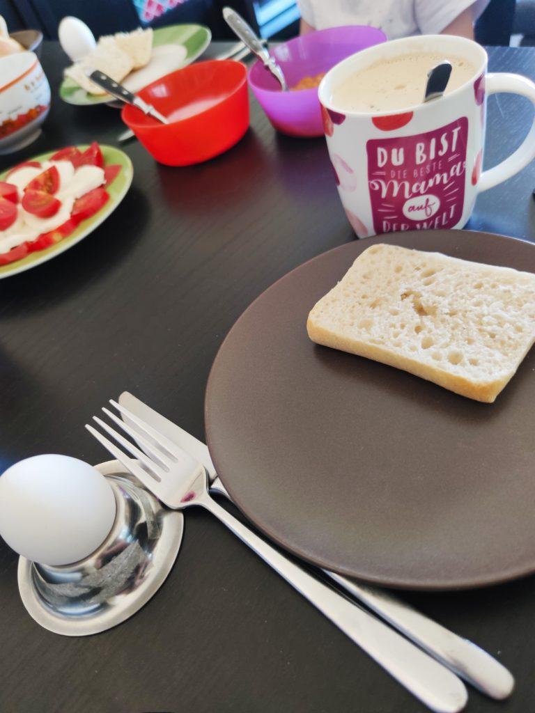 Frühstückstisch am Samstagmorgen